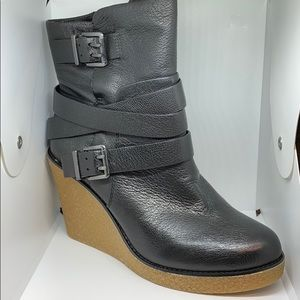 BCBGENERATION BLACK PHILLY LEATHER BOOTIE 8.5 NWT